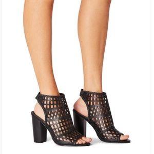 NWT / Malika Dress Sandals